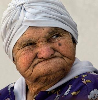 old-woman-748479.jpg